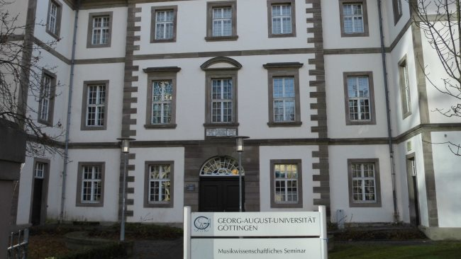 Privatdetektive ermitteln an der Georg-August-Universität in Göttingen.
