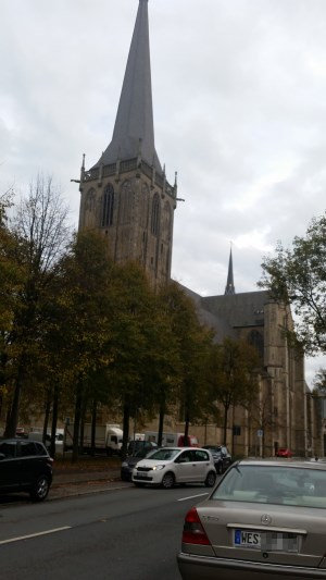Beobachtungen am Willibrordi-Dom in Wesel.